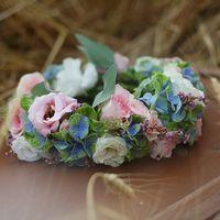 роскошная альтернатива букету - венок для невесты.