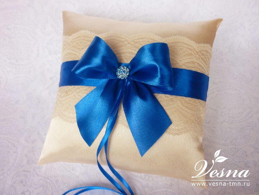 "Подушечка для колец ""Синий иней"" Подушечка для обручальных колец ""Синий иней"" выполнена из атласа фото 10514226 - Vesna-Art - ак"