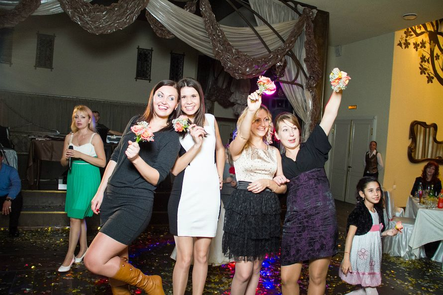 Ловим букет невесты - фото 1383171 Ведущая Светлана Шрайнер