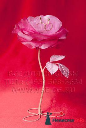 """Цветок для колец. Авторская работа. Арт.105-012 - фото 127861 """"Все для свадьбы"""" - салон аксессуаров и услуг"""
