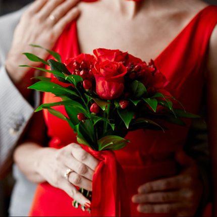 Букет невесты с лентами