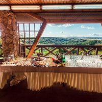 Загородный ресторан с панорамными окнами