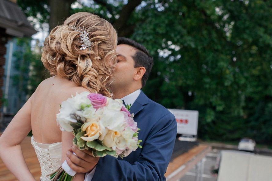 Свадебный стилист, парикмахер-визажист: Арина Курбатова:  Группа причесок в контакте:  - фото 16251752 Магазин свадебных украшений Арины Курбатовой