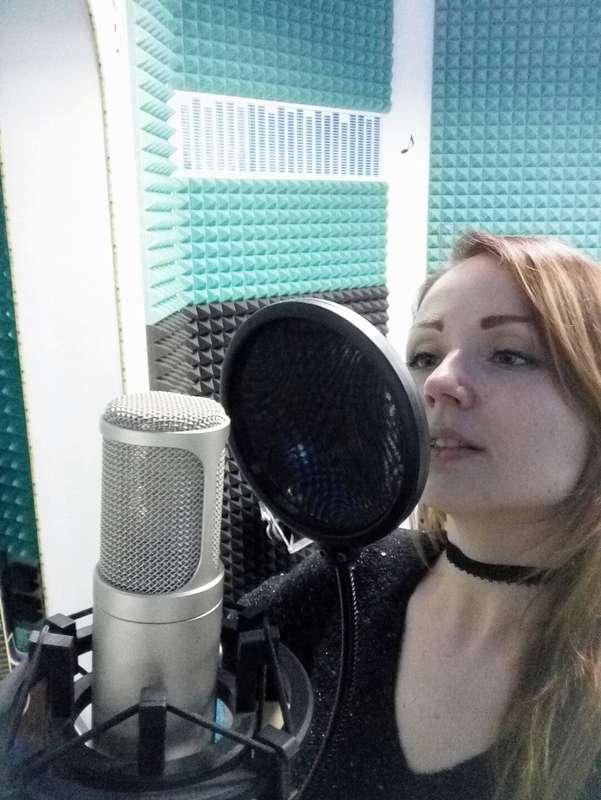 Запись демо в федеральной школе радио... - фото 17224452 Ведущая Оксана Уколова