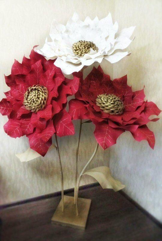 Большие цветы в оформлении зала