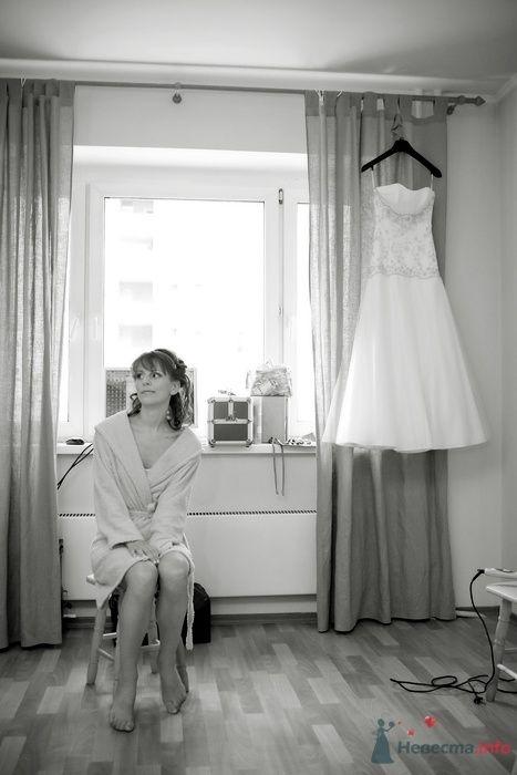 Сборы невесты дома, свадебное платье - фото 35900 Фотограф Владимир Будков