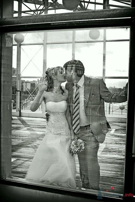 Свадьба. Молодожены на мосту - фото 35936 Фотограф Владимир Будков