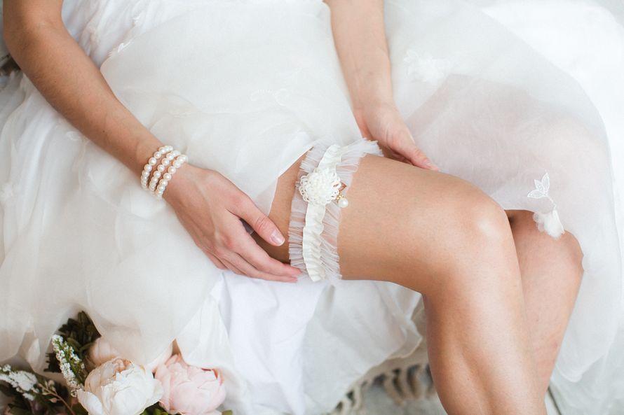 Подвязка 890 р. Цвет молочный. - фото 17178680 Svetochek wedding - мастерская аксессуаров