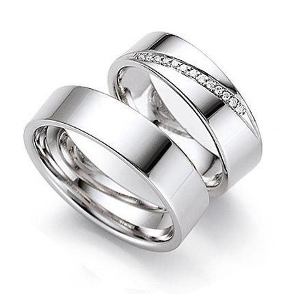 Обручальное кольцо с бриллиантом W0079