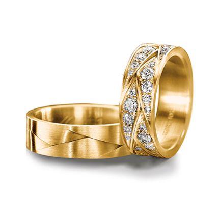 Обручальное кольцо с бриллиантом WRFJ61