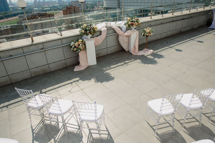 Фото 17397316 в коллекции Свадьба Ксении и Юрия на крыше отеля - Flower jewelry - студия оформления
