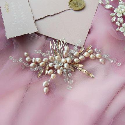 Свадебный гребень для волос в пудровом оттенке