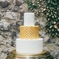 Стильный свадебный торт, для грузинской свадебной церемонии.