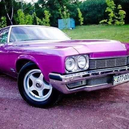 193 Ретро автомобиль Buick Le sabre розовый в аренду