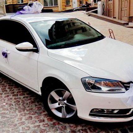 143 Volkswagen Passat B7 белый, 1 час