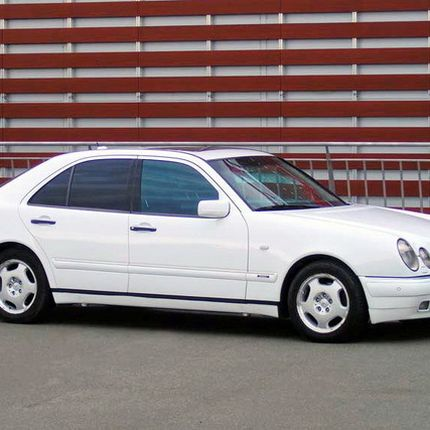 174 Mercedes W210 белый аренда, 1 час