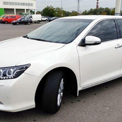 152 Toyota Camry V50 белая в аренду