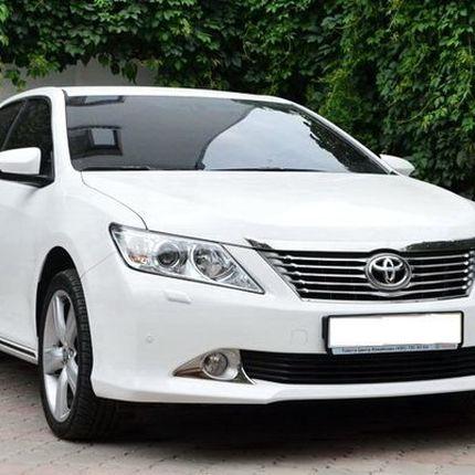 153 Toyota Camry V50 белая в аренду