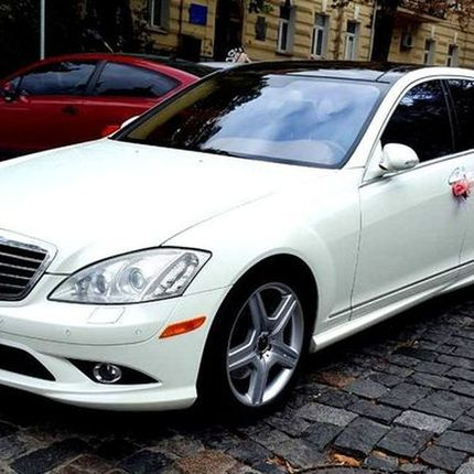 390 Mercedes W221 S550 белый в аренду