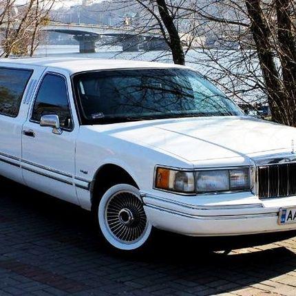 052 Лимузин Lincoln Town Car на прокат