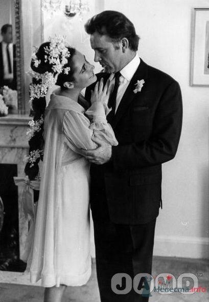 Лиз Тейлор и её муж №5 и №6  -  роковой Ричард Бартон - фото 56050 Incognito