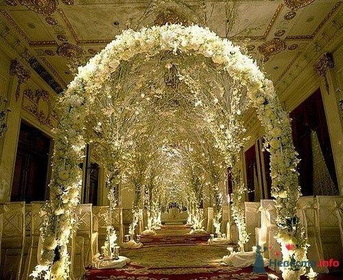 Фото 57785 в коллекции Варианты оформления банкетных залов и выездных церемоний