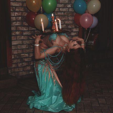 Танец со свечами