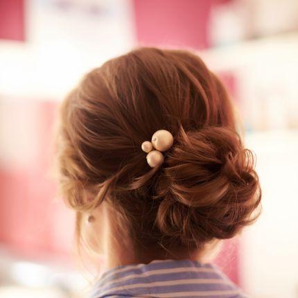 Любая причёска (пучок, греческая коса, хвост)