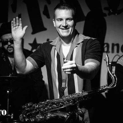 Выступление кавер - группы + саксофонист на велком!