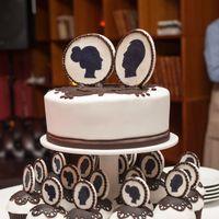 Свадебный торт. Торт с капкейками