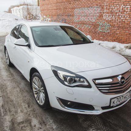 Opel Insignia 2015г. белый в аренду, 1 час