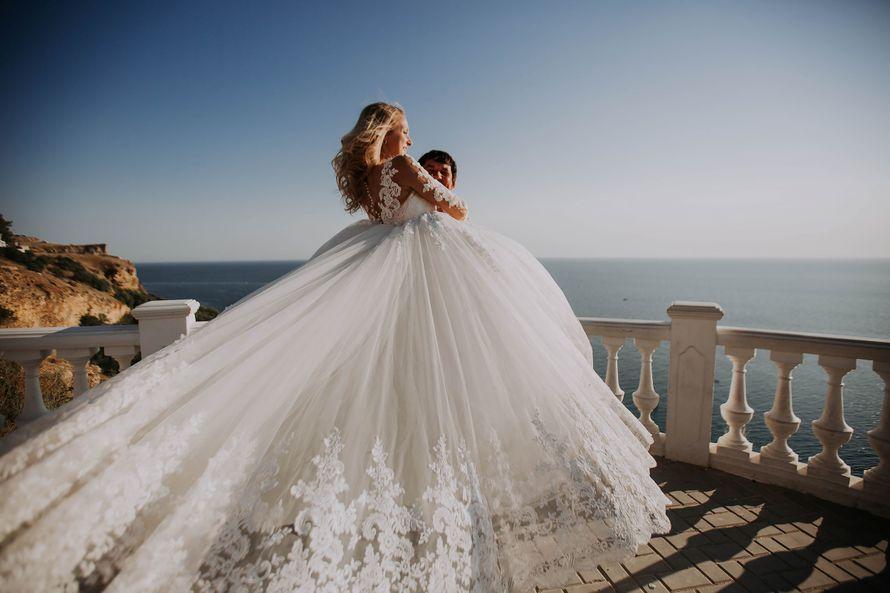 начинают светлеть, свадьба севастополь фото бы