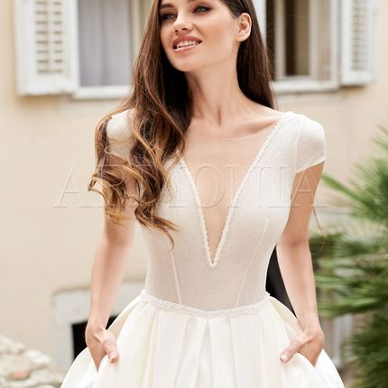 Платье Ogma - пышное с открытой спиной