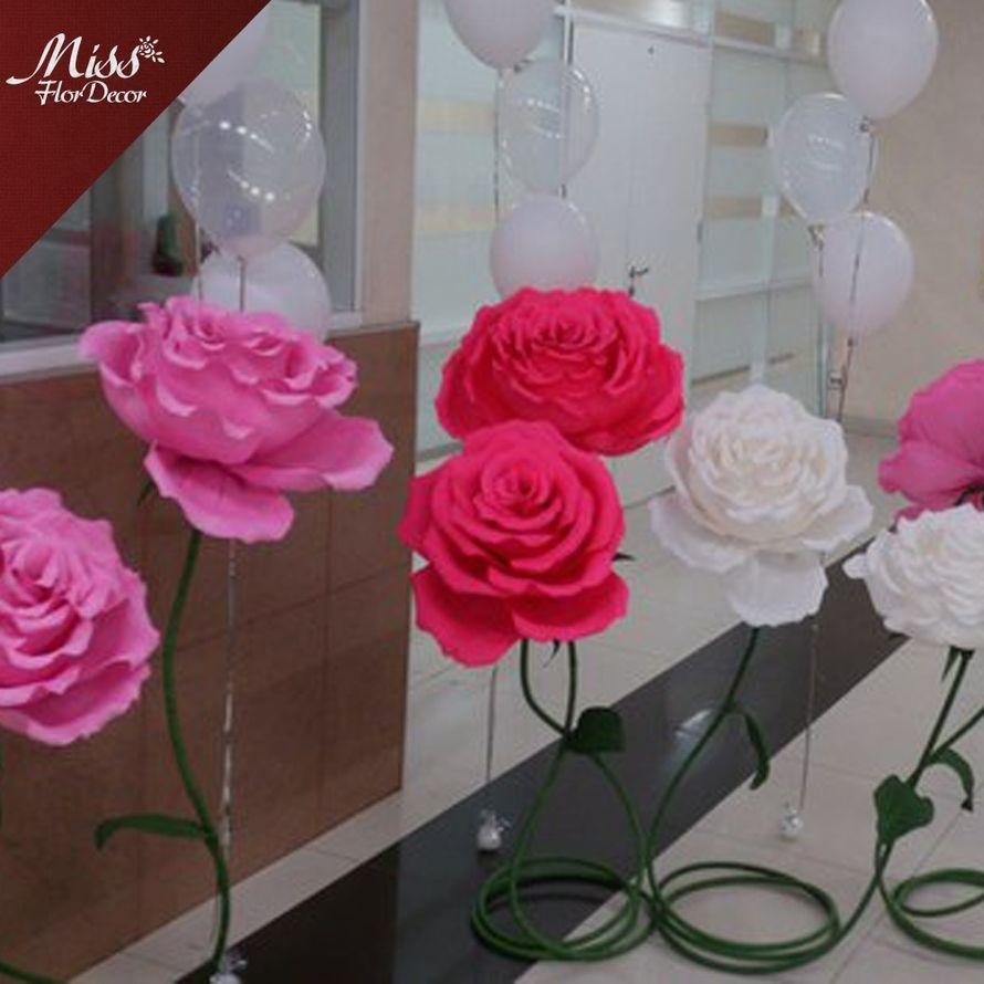 Цветы напольные (розы) в аренду