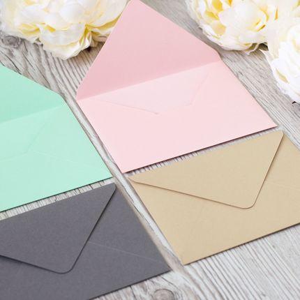 Приглашения в конверте из дизайнерской бумаги