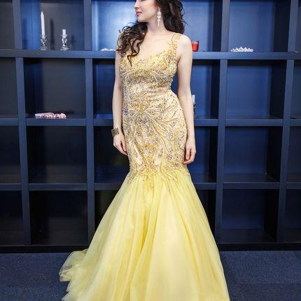 Шикарное платье-рыбка в золотом цвете