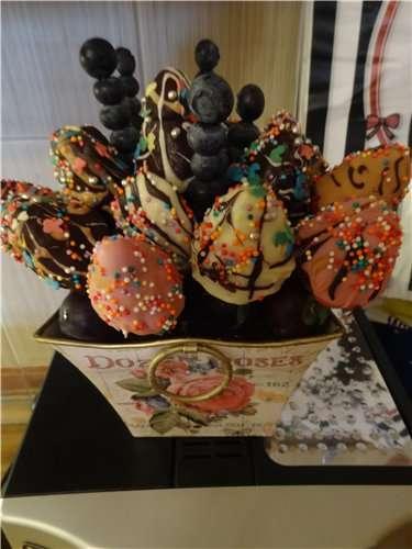 """Фото 2682871 в коллекции Корзины подарочные.Фруктовые композиции - Кондитеры """"Шоколадная радуга"""""""