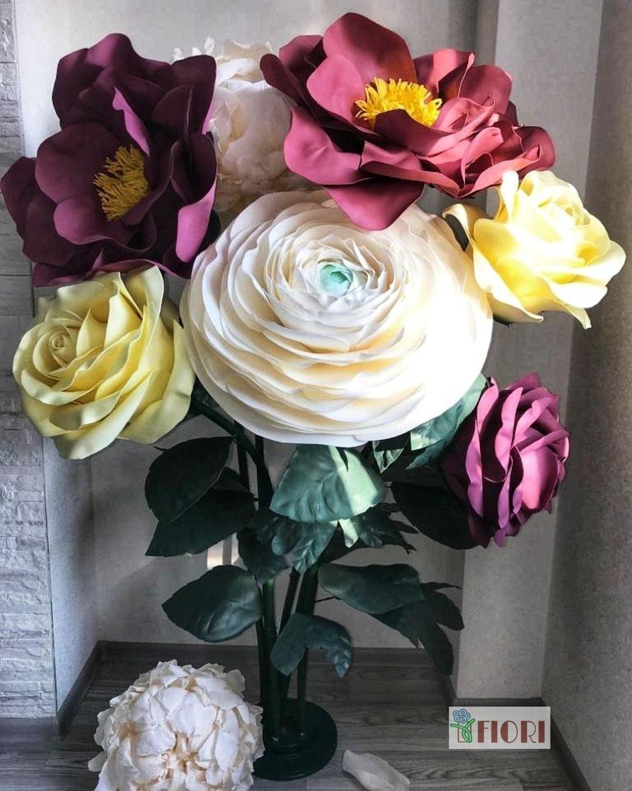 Стойка ростовых цветов в аренду