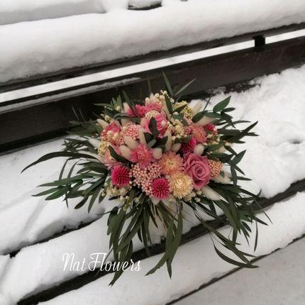 Букет невесты из стабилизированных цветов, эвкалипта и сухоцветов
