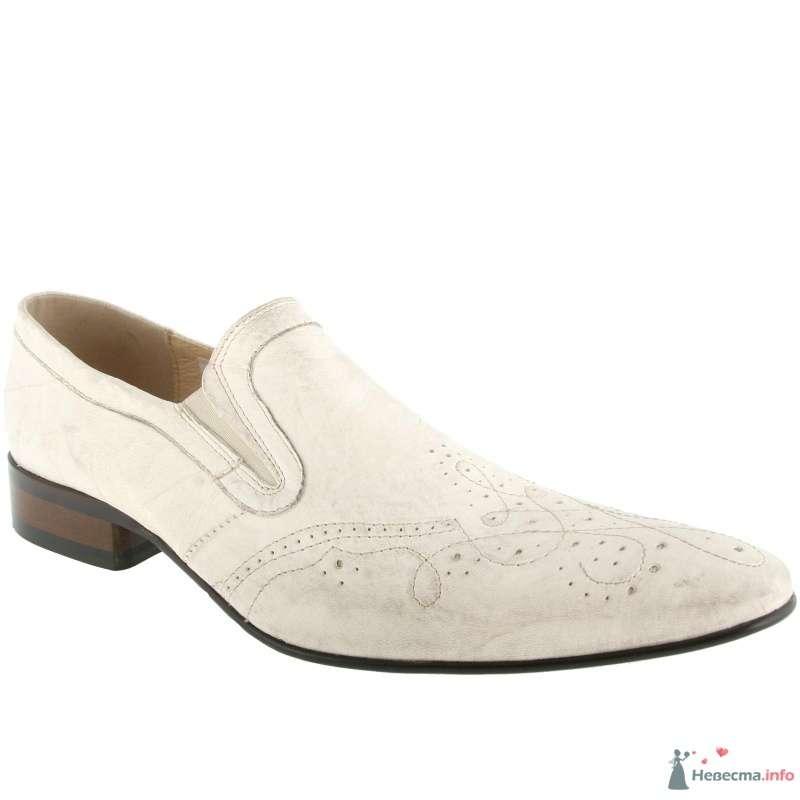 Мужские белые кожаные туфли с коричневым каблуком и острым носком - фото 66892 Kwinto-shoes - cвадебная обувь
