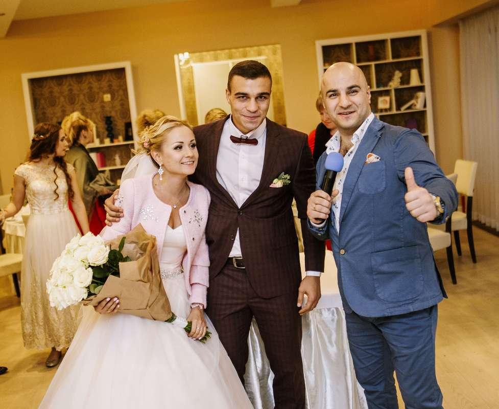 Фото 19383568 в коллекции свадьбы - Ведущий Юрий Камбарян