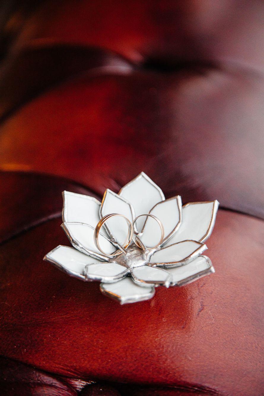 Цветок для колец