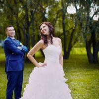 Прогулка невесты у озера