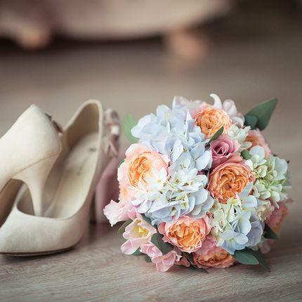 Букет невесты с розой Джульетта и гортензией