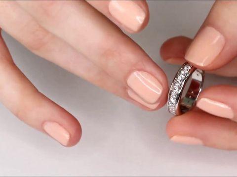 Обручальное с бриллиантовой дорожкой дорожкой