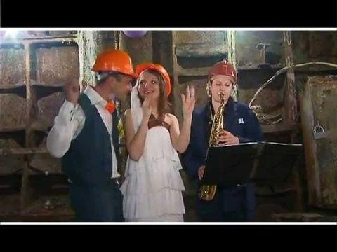Свадьба в шахте метро - впервые в мире