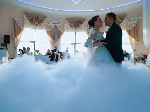 Летняя свадьба в загородном комплексе