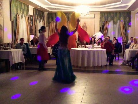Восточный танец с вейлами