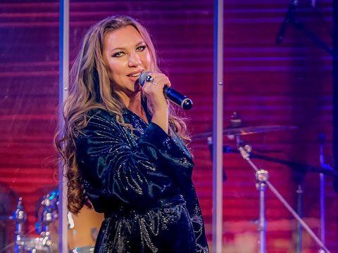 Наталия Иванова - Не реви (live)